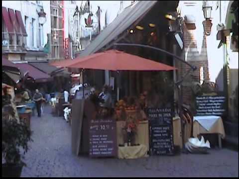 53 - Galerie Royale Saint Hubert y rue des bouchers Bruselas