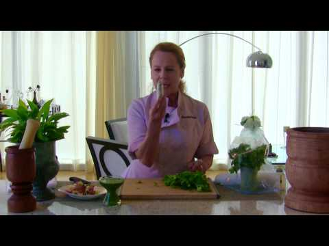 """Cilantro """"Quick Tips""""  -- How To Use It, How To Store It"""