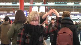 ESN Flash Freeze Mob - Utrecht Centraal