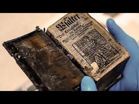 Dieses gefundene Buch wirft Zweifel an der Herkunft der Menschen auf!