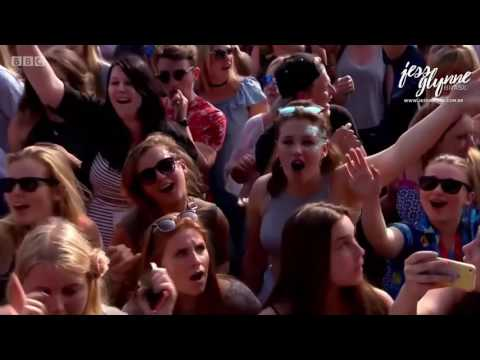 Jess Glynne - Right Here (Live at Big Weekend 2016)
