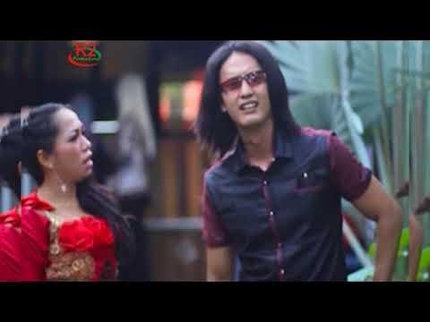 Dessy Santhia - BBM (Dangdut Minang)