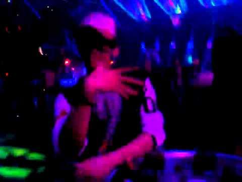 mọi người cùng xem a Feo nhà ta nhảy trong 030 X Clup nha....BB & BG