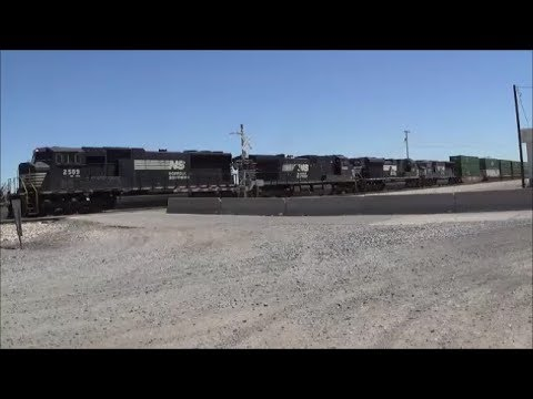 Union Pacific Train Watching in Deming New Mexico