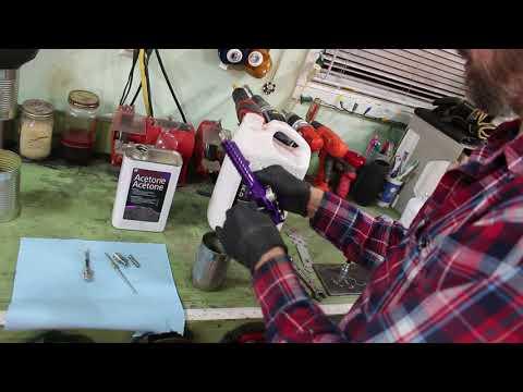 Cleaning a paint gun