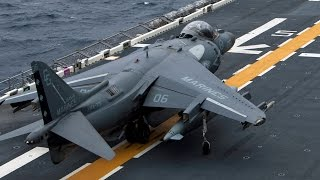 アメリカ海軍佐世保基地に配備されている強襲揚陸艦ボノム・リシャール(...