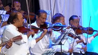 Din Sara Guzara Tore Angna By Vishwanath Batunge n Prajakta Satardekar at Farmaish Club Vadodara