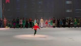 Евгений Плющенко, Яна Рудковская и их сыночек на шоу Щелкунчик в Астане
