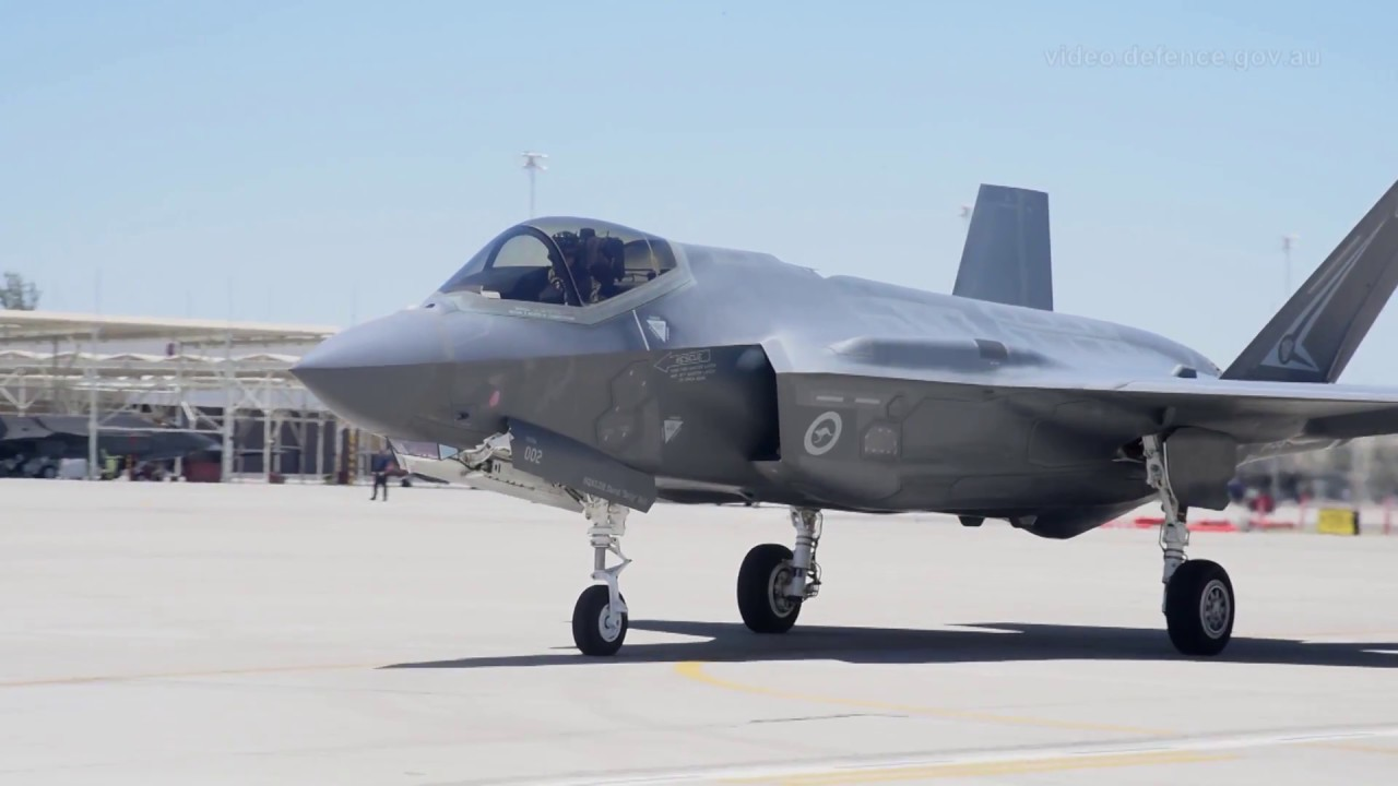 F-35 strike fighters arrive in Australia at Williamtown RAAF