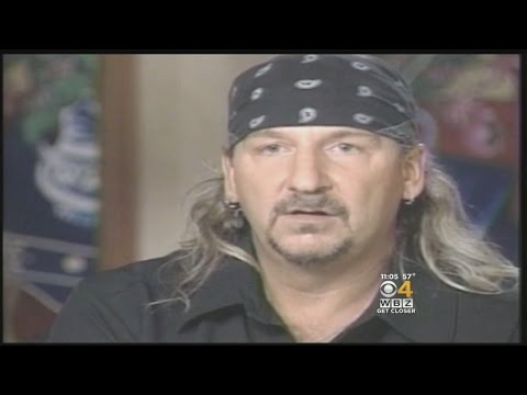 Great White Singer Wants To Apologize In Documentary Covering The Station Nightclub Fire