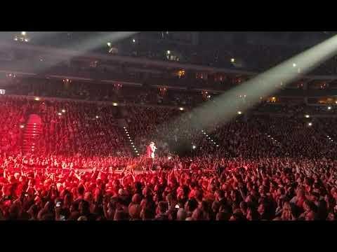 Queen + Adam Lambert - Prague 1.11.2017 - Radio Ga Ga