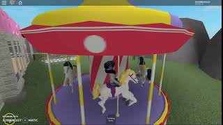 Roblox- Carousel Melanie Martinez (minha versào no Roblox sem sentido)