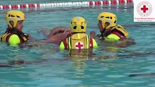 salvataggio a nuoto