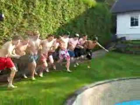 Jump in den Pool