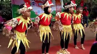 Tari ayam / Chicken dance
