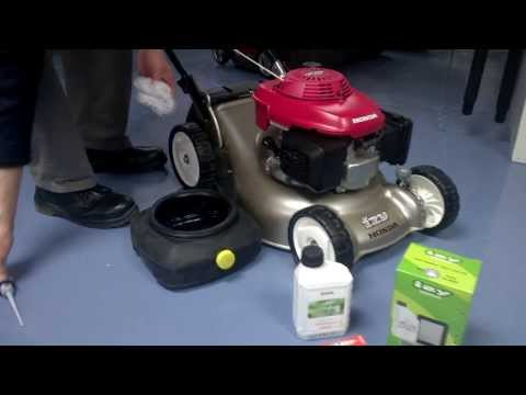 Servicing a Honda lawnmower with the Honda service kit