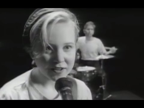 Throwing Muses - Counting Backwards (Official Video)