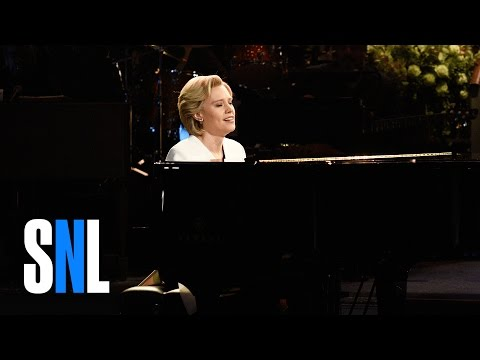 SNL Kate McKinnon as Hillary Clinton sings 'Hallelujah '