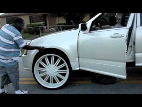 2006 Cadillac Srx On 28 Quot Rims Young Jeezy Quot All White