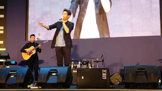 Justin Bieber - Love Yourself Accoustic (Julian Jacob Cover) Live At Gandaria City 10/04/2016