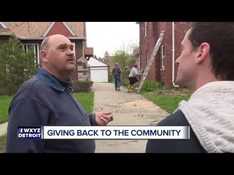 Police officers giving back to community, helping with home makeover