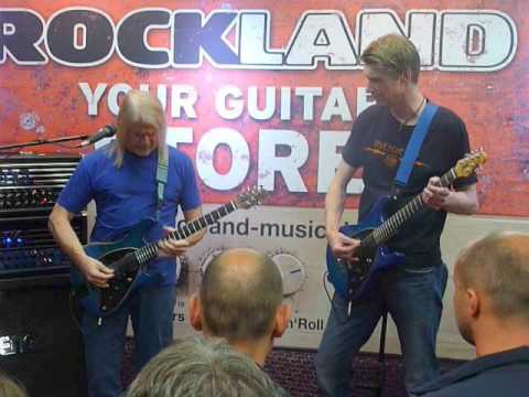 Playing guitar with Steve Morse