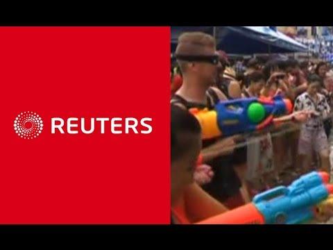 """""""รอยเตอร์ส"""" เกาะติดบรรยากาศเทศกาลสงกรานต์ในไทย - Springnews"""