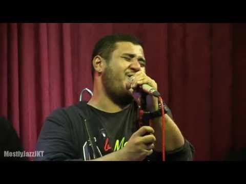 Mike Mohede Tribute to Bob Marley - No Woman No Cry @ Mostly Jazz 30/05/14 [HD]