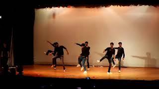 Tel Laga Lo Dabur ka | Funny Dance By IITians
