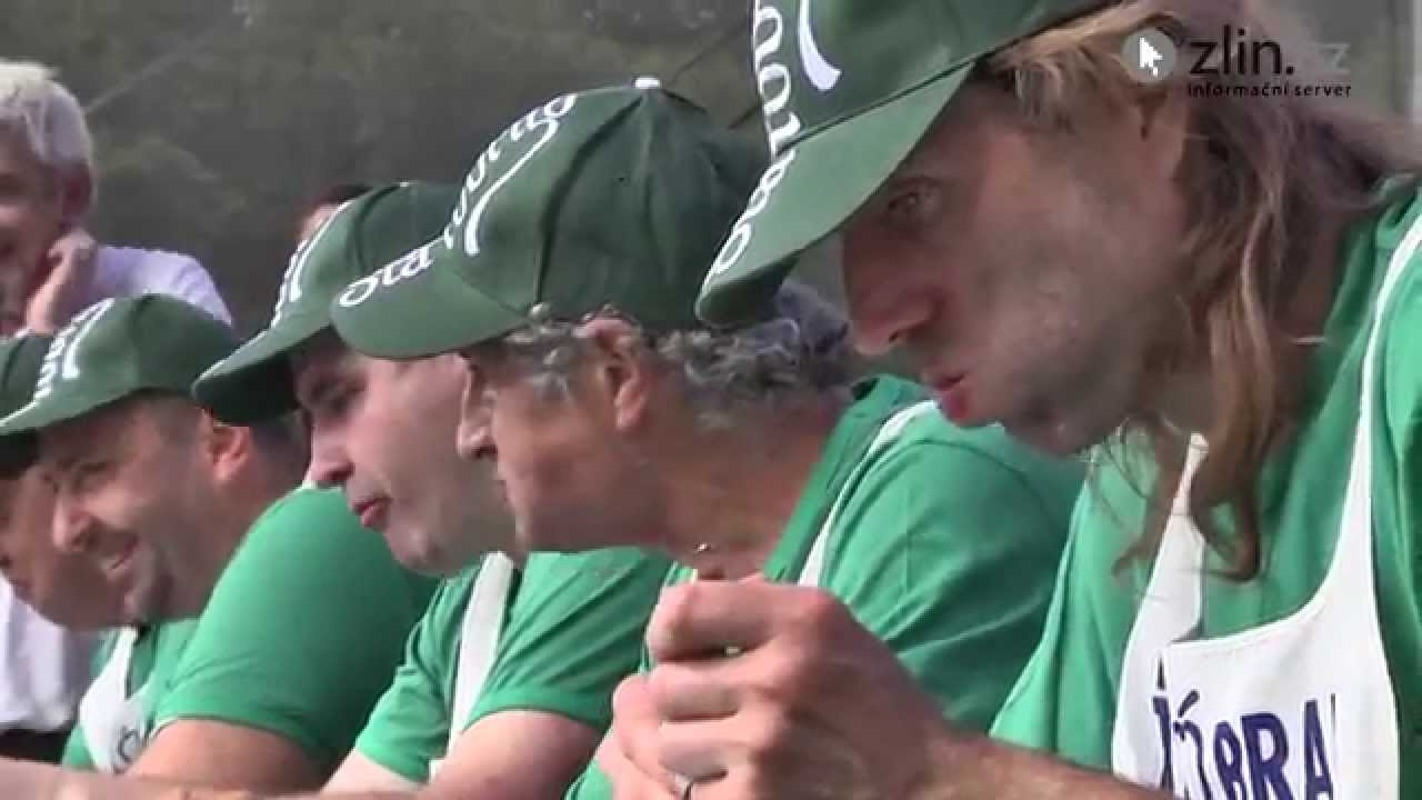 Video Pojídání švestkových knedlíků na Vizovickém Trnkobraní