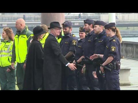 Konstinsatt polis loste tavelkupp