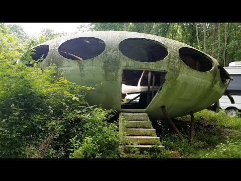 UFO house hidden in the woods - Oddments Vlog #1