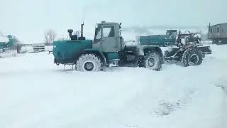ЗАВИРУХА /Т-150к буксует на льду/ЗАВИРУХА МЕТЕЛЬ \ДОЙЦ СПАС ПОЛОЖЕНИЕ