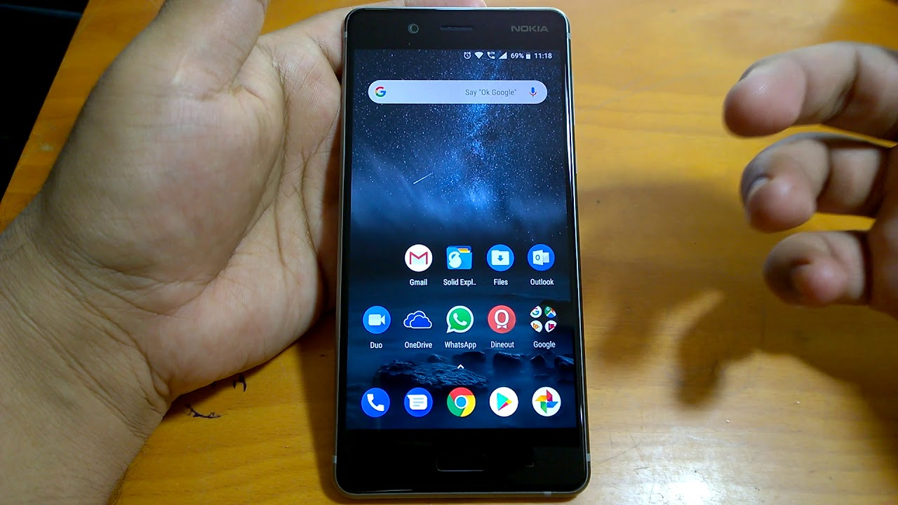 Facebook spy Nokia 8