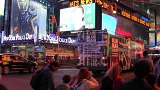 США. New York City. Manhattan. Times Square. Hard Rock Cafe. Starbucks.