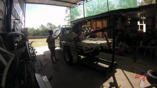 Timelaspe Taking Tray Off Hilux Ute