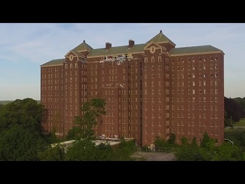 Exploring the Abandoned Kings Park Psychiatric Center