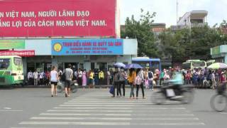 How to Cross the Streets in Vietnam