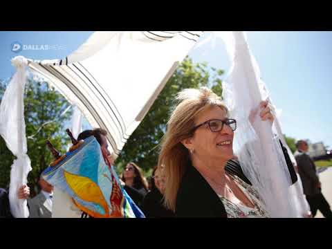 Anshai Torah congregation celebrates arrival of torah in memory of Rabbi's late wife