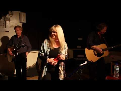 Salters Screen - Red Shoes at Shirley Folk Club, September 2017