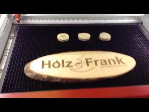 Holz Frank: Lasergravierte Holzschilder mit Trotec Speedy 360 flexx