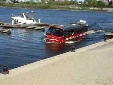 Bus Amphibie