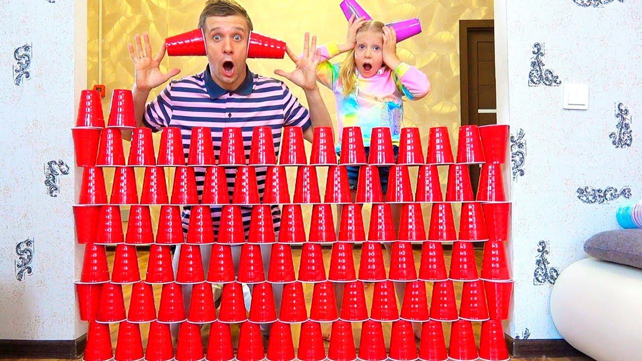 Лучшие ЧЕЛЛЕНДЖИ FaMily BOX: Прятки Челлендж, Фокусы от папы и Башня из Стаканчиков СБОРНИК!