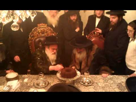 Krula rabbi visiting Viznitz rabbi
