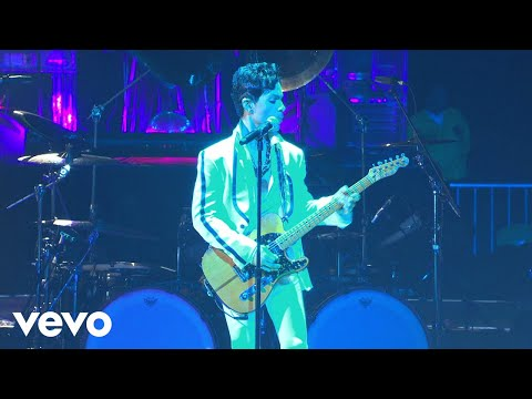 Download Prince - The Bird (Live At The Los Angeles Forum, April 28, 2011)