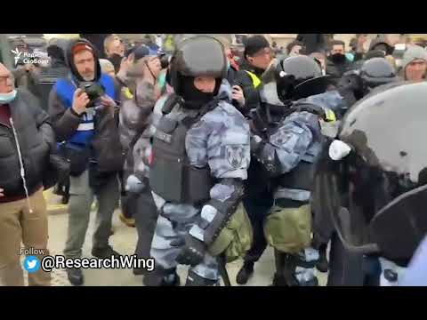 Thousands Protesting in Moscow against Arrest of Alexie Navalny by Vladimir Putin.