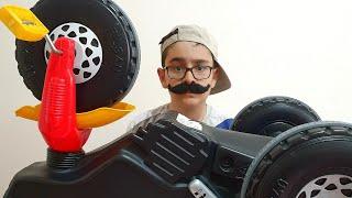 Tamirci Amca Buğra Motoru Tamir Etti. Eğlenceli Çocuk Videosu