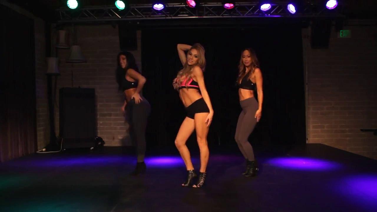 Танцивальные сексуальные движения