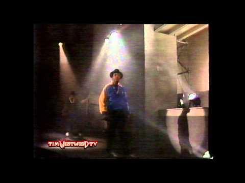 *OLD SCHOOL* - Run-DMC 'Run's House' live performance - Westwood