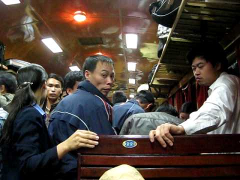 Train Hanoi - Lao Cai Vietnam